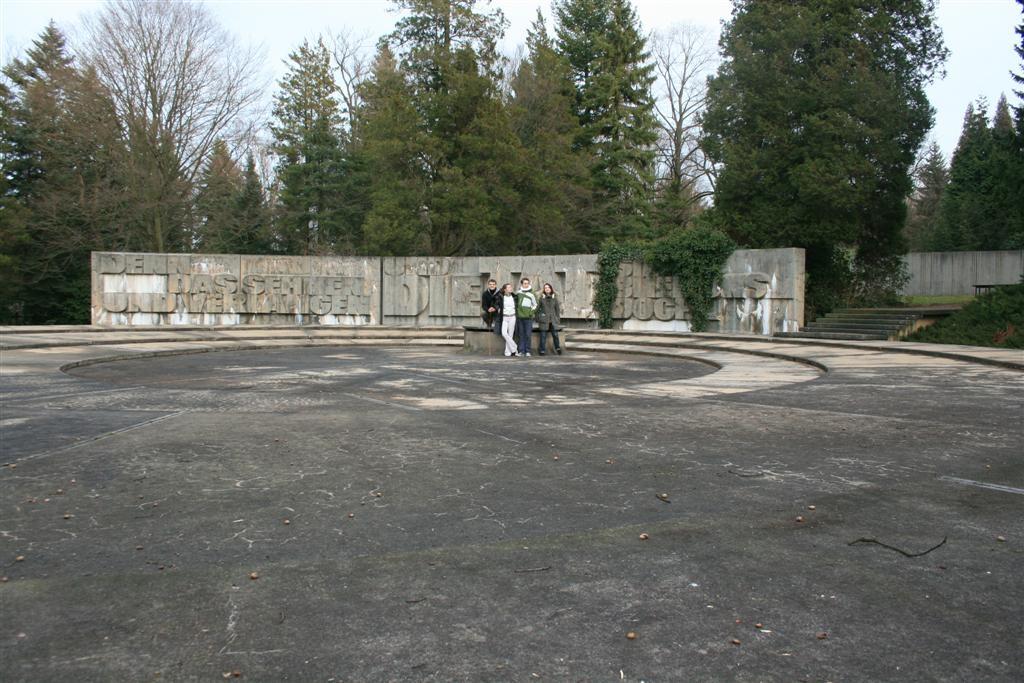 cemetery 031 (Large).jpg