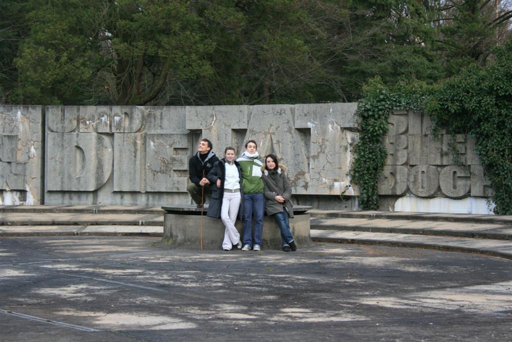 cemetery 033 (Large).jpg